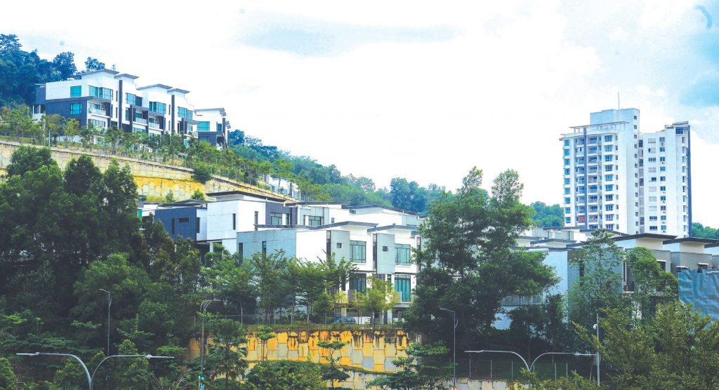 Moody's: Property loans remain a threat to Malaysian banks
